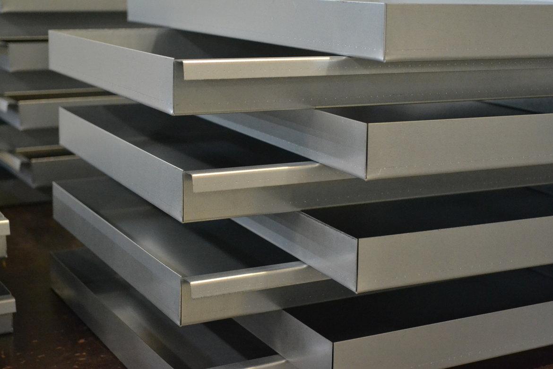 Metalen-lades